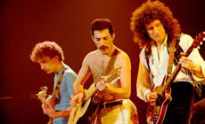 Queen-Montreal2_thumb.jpg