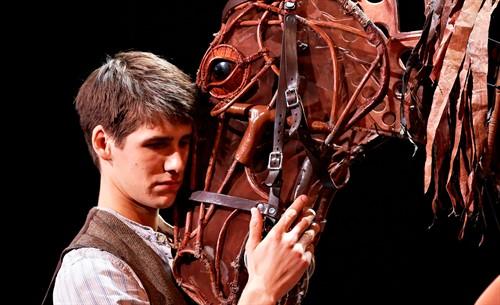 War-Horse-main21_thumb.jpg